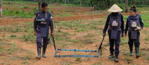 Obama to announce $90 million package to clear Laos' unexploded ... - cnn.com