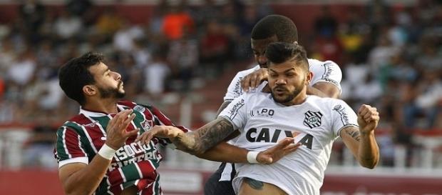 Com mau rendimento, Henrique Dourado pode ser barrado no Flu (Foto: Nelson Perez/Divulgação FFC)
