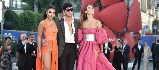 Giulia Salemi infiamma il red carpet di Venezia