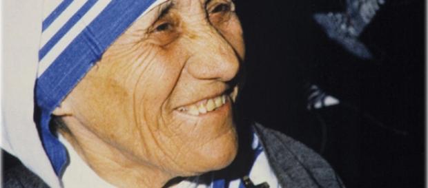Madre Teresa di Calcutta, l'Huffington Post mette a nudo un lato poco chiaro della suora, oggi divenuta Santa