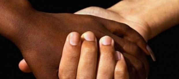 Racismo é crime, somos todos iguais