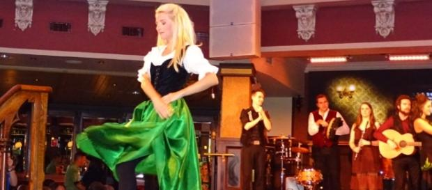 Raglan Road features talented Irish dancers. (Photo by Barb Nefer)