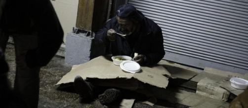Ayudar a las personas que no tienen hogar