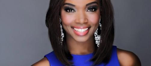Miss Illinois USA 2017 Whitney Wandland (Big Smile Dental press photo)
