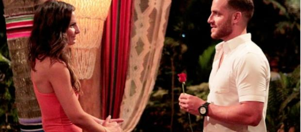 Bachelor In Paradise' Stars Vinny And Izzy Back Together After ... - inquisitr.com