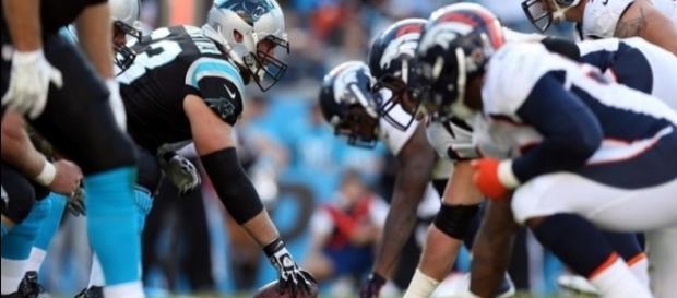 Broncos e Panthers tentam repetir a última temporada na qual as duas franquias disputaram o título