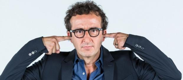 Cyrille Eldin, le nouveau présentateur décrié du Petit Journal - teleobs.nouvelobs.com