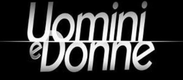 Il logo ufficiale di Uomini e donne