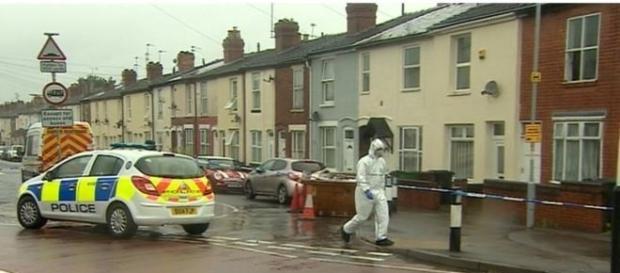 Un tânăr român aflat în UK a fost ucis cu mai multe lovituri de cuțit în orașul Wolverhampton