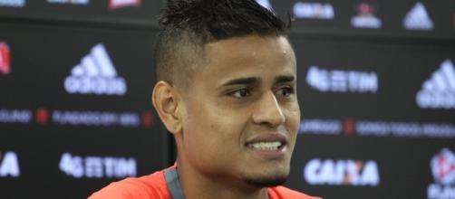 Meia-atacante Everton do Flamengo