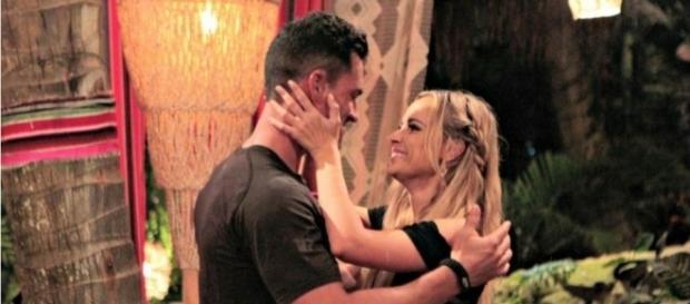 Bachelor In Paradise' Stars Josh Murray And Amanda Stanton Engaged ... - 24-hours-news.com