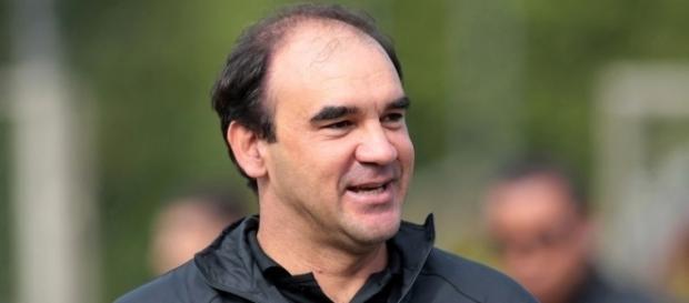 Técnico Ricardo Gomes no CT da Barra Funda, Zona Oeste da capital paulista