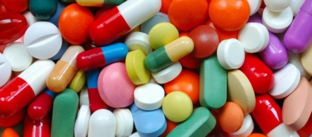 Uso exagerado de antibióticos está tornando 3 DST comuns intratáveis.