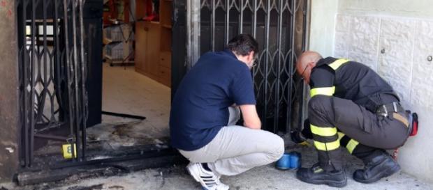 Attentato alla sede del Pd a Modena