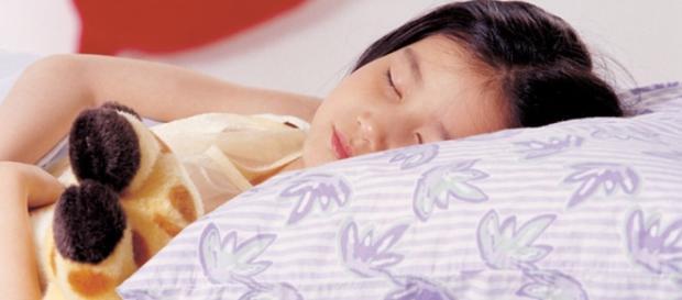 Los peligros de no lavar la funda de la almohada - telecinco.es