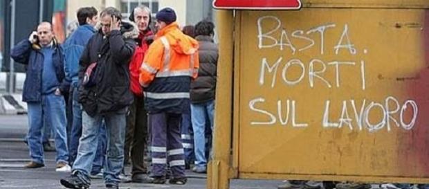 Un MUNCITOR român în construcții A MURIT în Italia. Acesta a căzut de la 9 metri