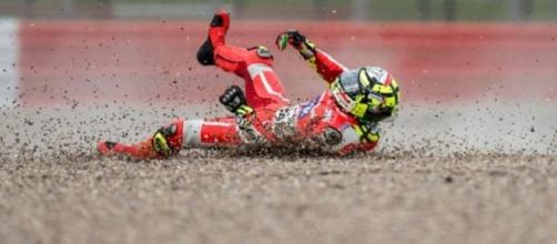 Andrea Iannone caduta FP1 Misano