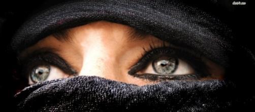 Parigi:turista islamica con il velo allontanata dall'Opéra in ... - libero.it