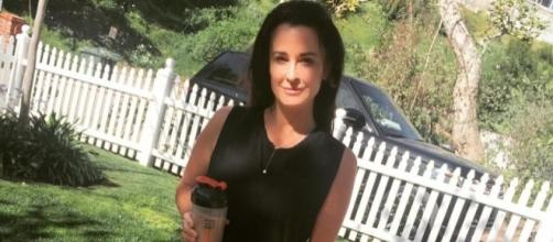 Real Housewives' Star Kyle Richards Feels Threatened By Yolanda Foster - inquisitr.com
