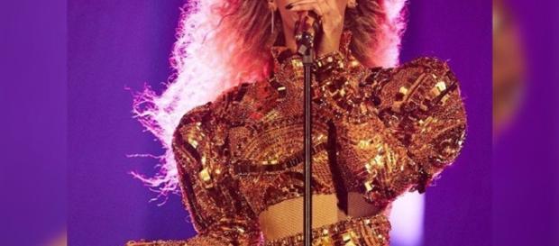Beyoncé ha problemi alla voce: concerto del 7 settembre annullato.