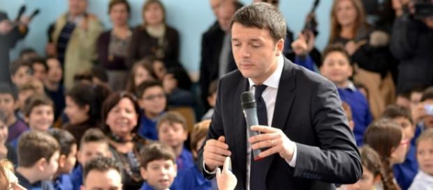 Renzi in Campania per inaugurare l'anno scolastico