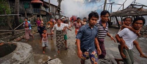I Rohingya in Myanmar vengono perseguitati e uccisi