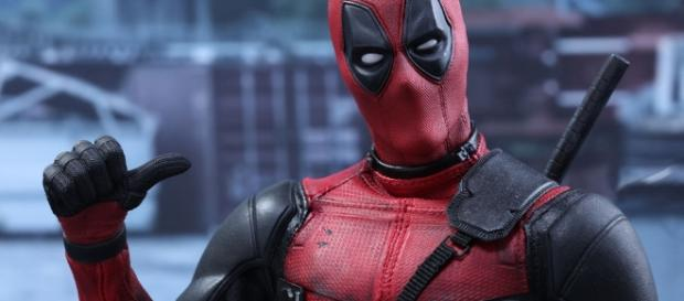 Marvel Deadpool Sixth Scale Figure by Hot Toys | Sideshow Collectibles - sideshowtoy.com