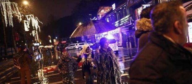 Un momento dell'attentato di Istanbul