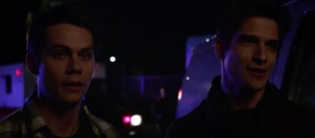 """Stiles (Dylan O'Brien) and Scott (Tyler Posey) in """"Memory Lost""""/Photo via screencap, 'Teen Wolf'/MTV"""