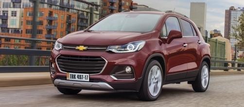 Chevrolet Tracker 2017 chega com mudanças no visual, equipamentos e motor turbo flex