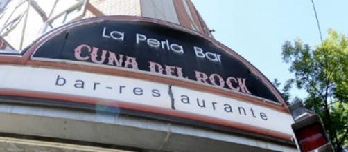 """El mítico bar """"La Perla"""" cuna del rock argentino cerró su puertas definitivamente."""
