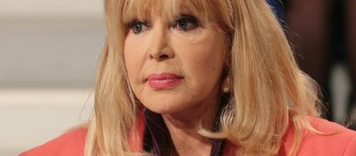 Isabella Biagini, in un videomessaggio a Barbara D'Urso, ha raccontato la sua ultima disavventura