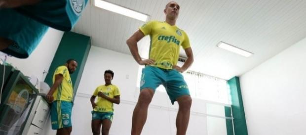 Fernando Prass em teste físico na Academia de Futebol do Palmeiras (Foto: Cesar Greco/Ag Palmeiras)