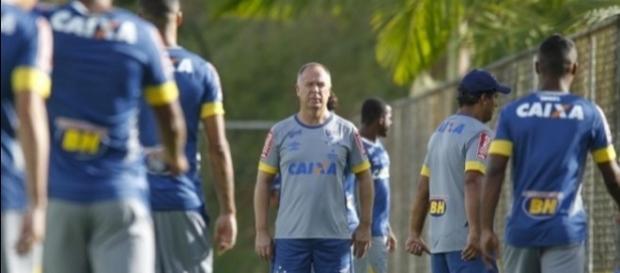 Mano Menezes vai contar com vários reforços para 2017. (Foto: Reprodução Cruzeiro)
