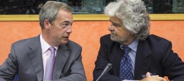 Nigel Farage e Beppe Grillo hanno deciso di restare uniti nell'Efdd.