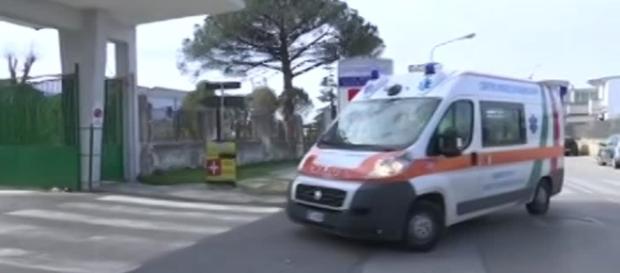 Pazienti in terra a Ospedale Nola, parla il direttore sanitario - virgilio.it
