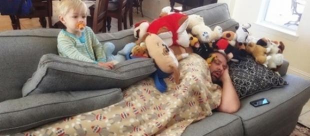 Quando está na hora de dormir e o filho só pensa em brincar