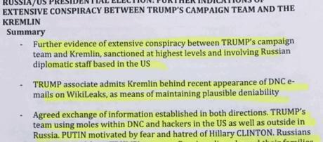 Diverses notes blanches, formant un dossier de 35 pages, laissent supposer une collusion totale entre Donald Trump et le Kremlin
