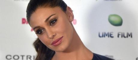 Gossip: Belen Rodriguez contestata sui social per l'atteggiamento troppo 'affettuoso' verso il figlio.