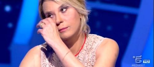C'è posta per te, Maria De Filippi piange per la storia di Antonio ... - today.it