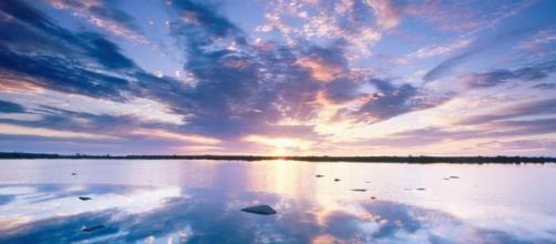 Cieli Immensi è il titolo del brano estratto dall'album Cercami