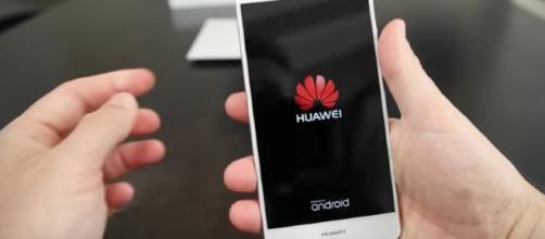 Huawei P9 Lite nelle mani di Andrea Galeazzi