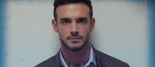 """Lucas Peracchi è stato smascherato da un video rilasciato dalla redazione di """"Uomini e donne"""""""
