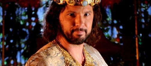 O rei Adonizedeque pedirá conselhos às prisioneiras do quarto sobre seus sentimentos por Ula