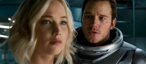 Jennifer Lawrence and Chris Pratt in 'Passengers' - movieweb.com
