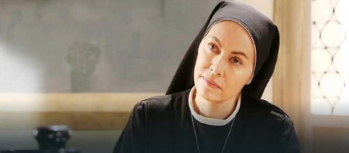 Suor Angela in Che Dio ci aiuti 4