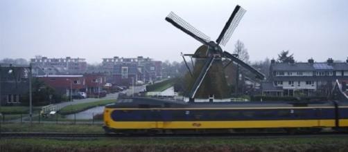 Treni olandesi: 100% della flotta ferroviaria funziona a energia eolica