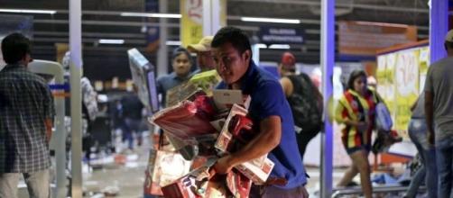 Un muerto y más de 500 presos por saqueos en México - Los Andes Diario - com.ar