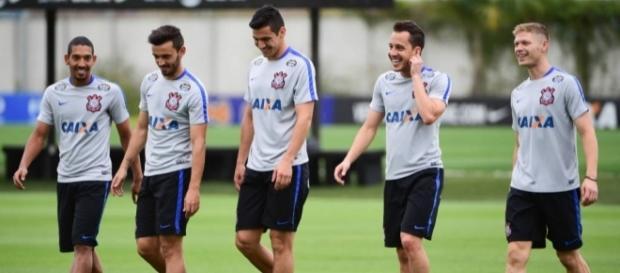 Corinthians faz último treino antes de embarcar para os Estados Unidos - gazetaesportiva.com