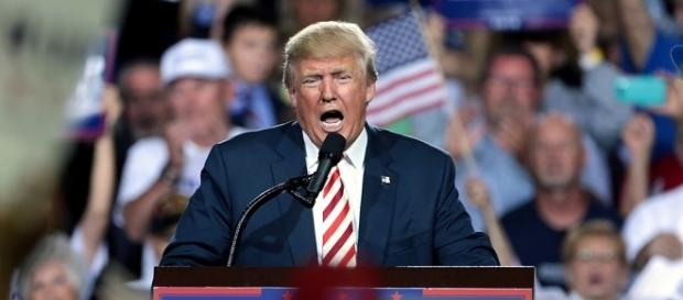 Donald Trump in un discorso durante la campagna elettorale